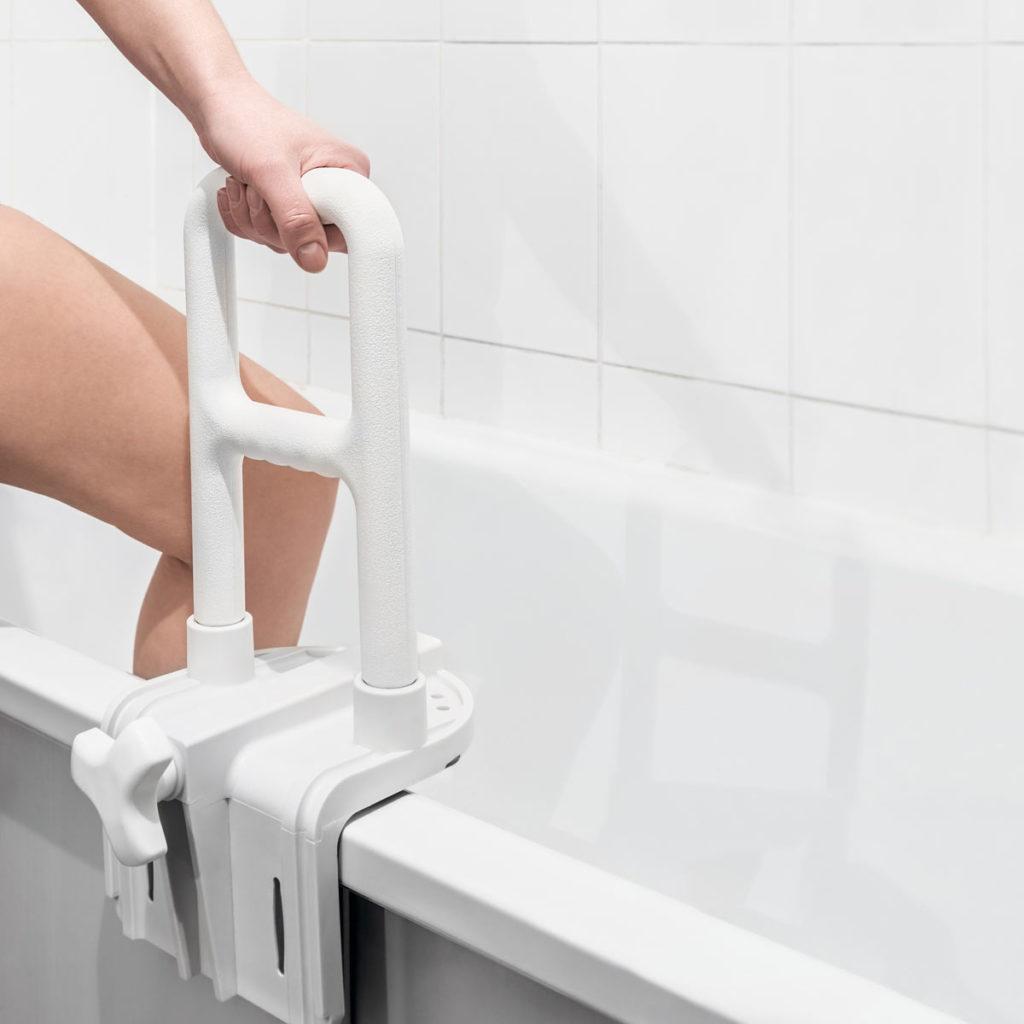 Haltegriff an Badewanne